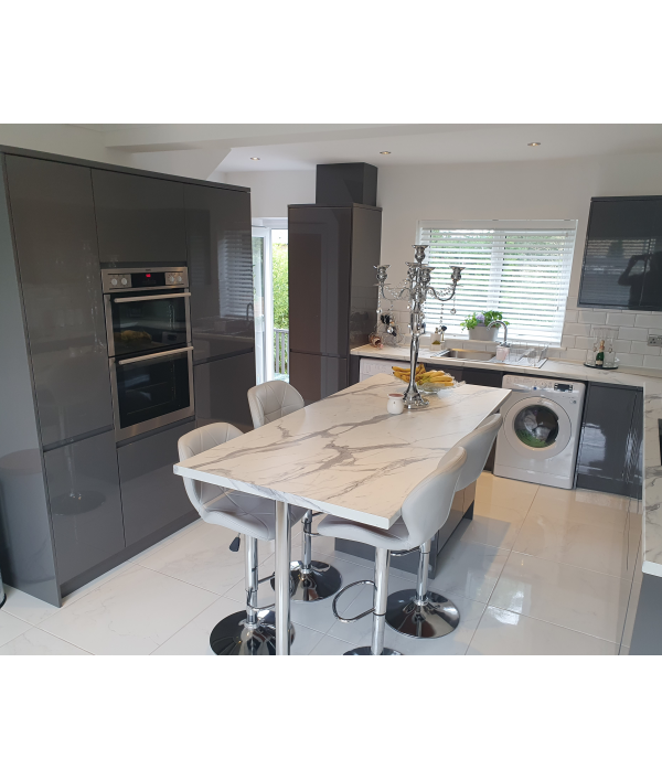 house-and-car-worth-£255,000--102709.png
